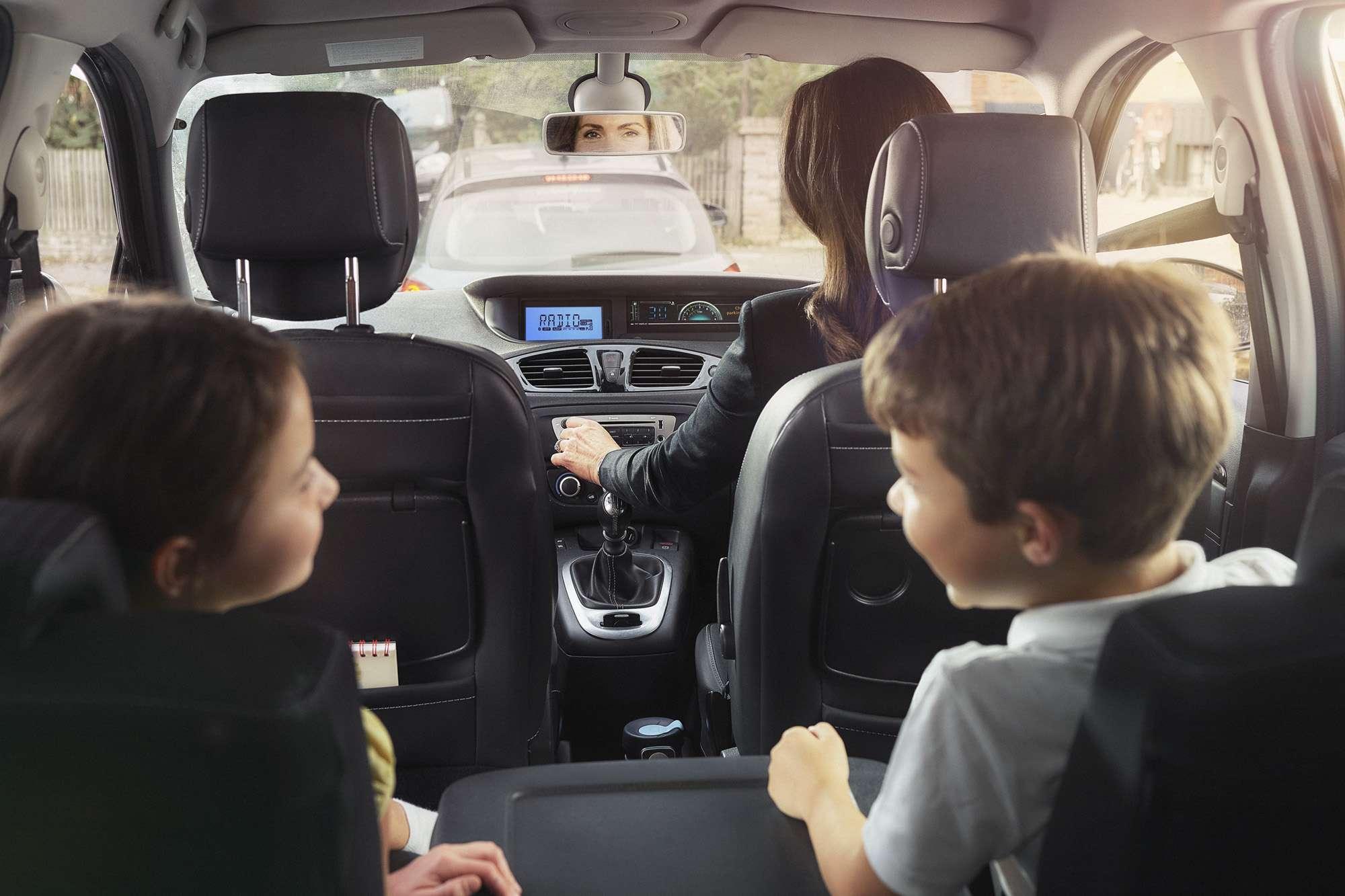 PHOTOGRAPHY - Family - Car